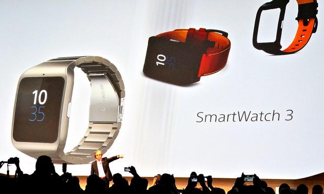 CES_2015_Sony_Smartwatch
