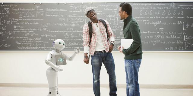 Aldebaran_SoftBank_Pepper_Robot