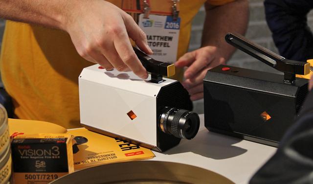 CES2016_Kodak_Super_8_Camera