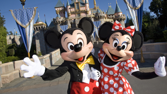 Disney_Theme_Park_Characters
