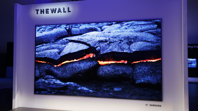 CES_2018_The_Wall_MicroLED_Samsung