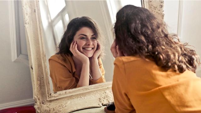 Facial_Recognition_Mirror